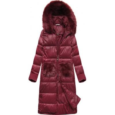 Dlhá dámska zimná bunda s kapucňou bordová (PM7231)